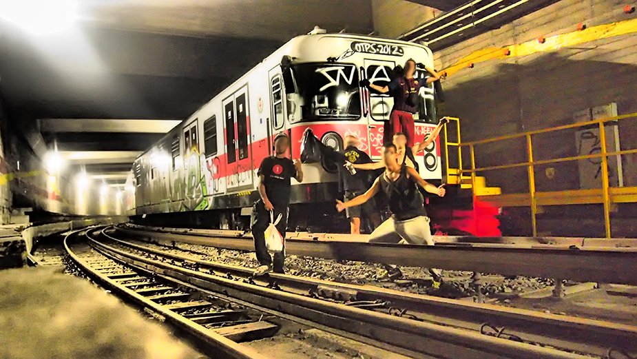 graffiti subway sen otp's milan tunnel redline crewpose