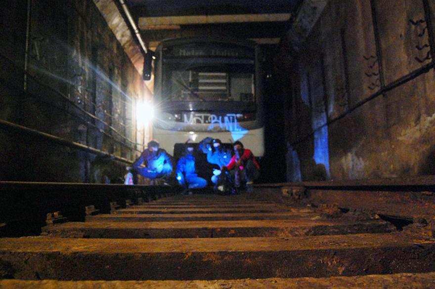 graffiti subway moskow tunnel head