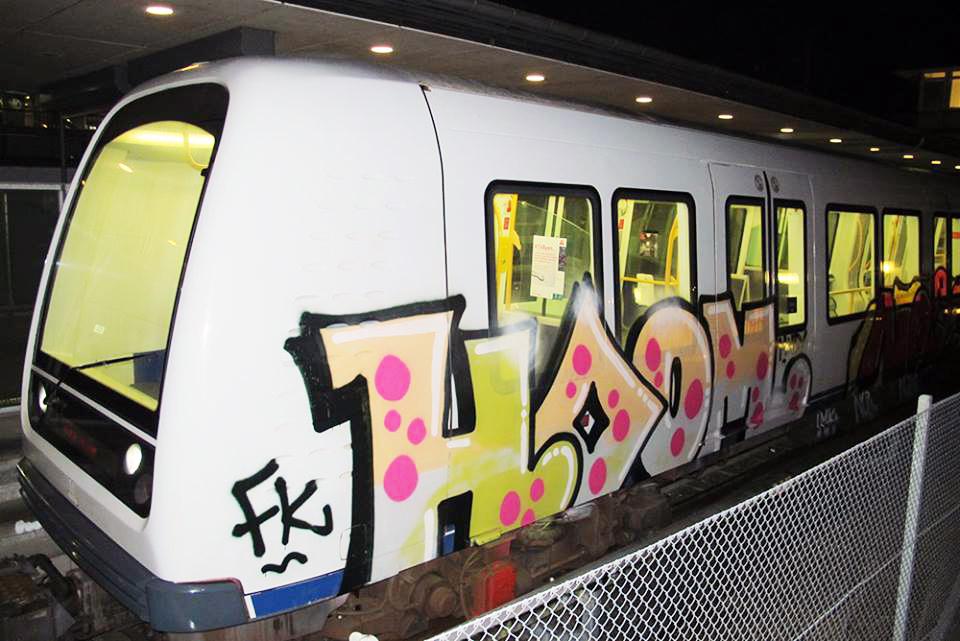 hoom graffiti subway running intraffic copenaghen fk