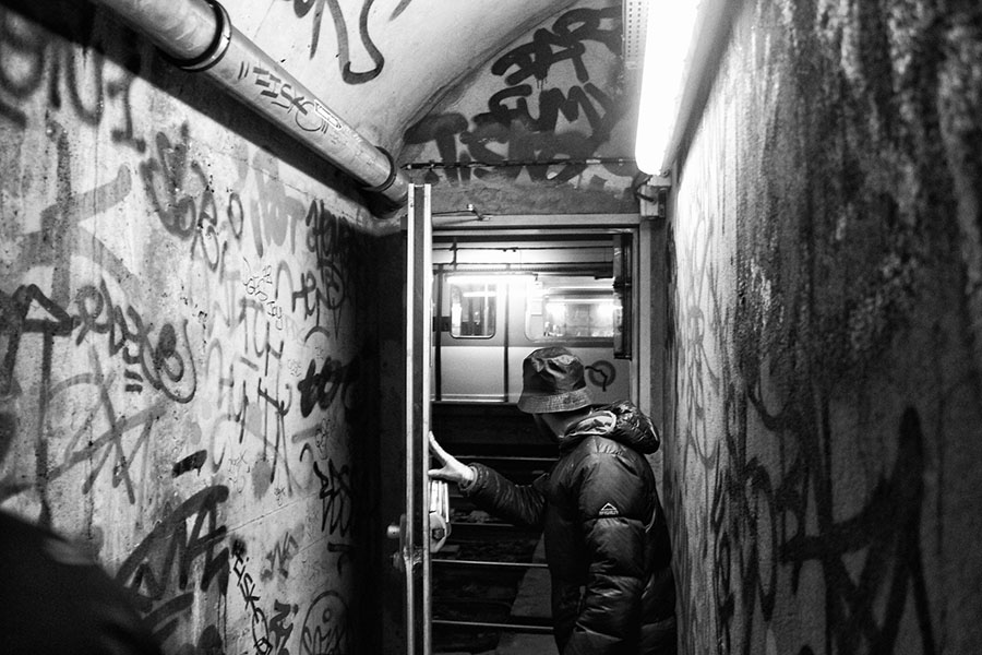 noloveonlywar photography graffiti subway paris