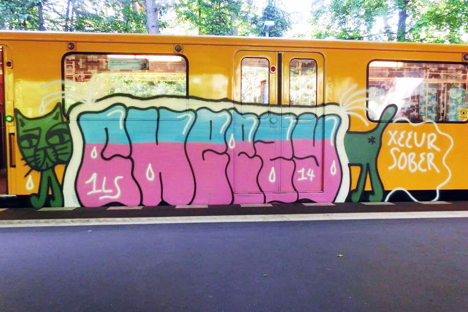 graffiti subway berlin germany cheezy