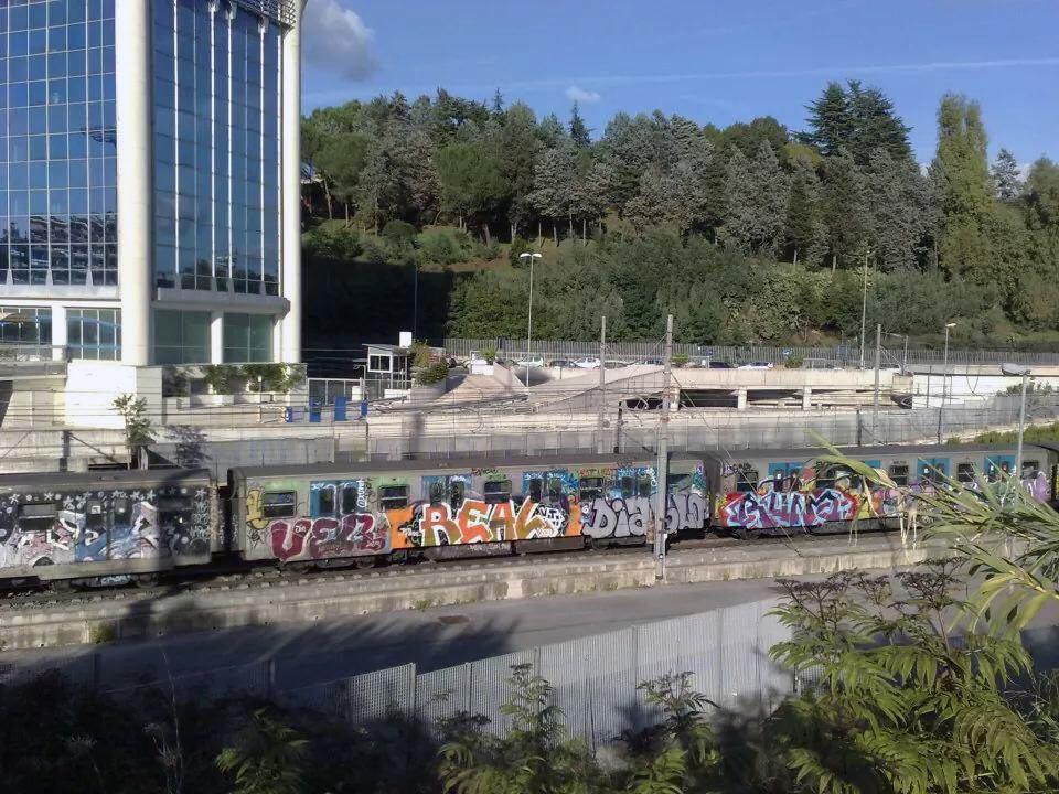 graffiti rome subway italy running ver real diablo runa