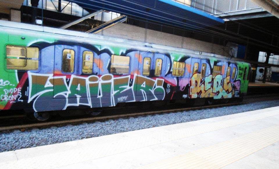 graffiti rome subway italy running yawer rebus