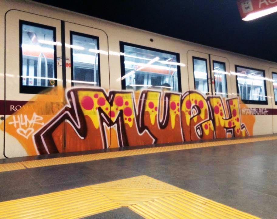 graffiti rome subway italy running mueh