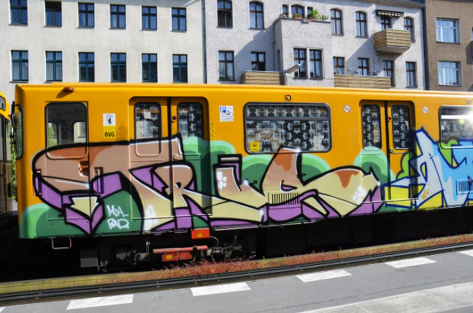 graffiti subway trus moas bad berlin germany