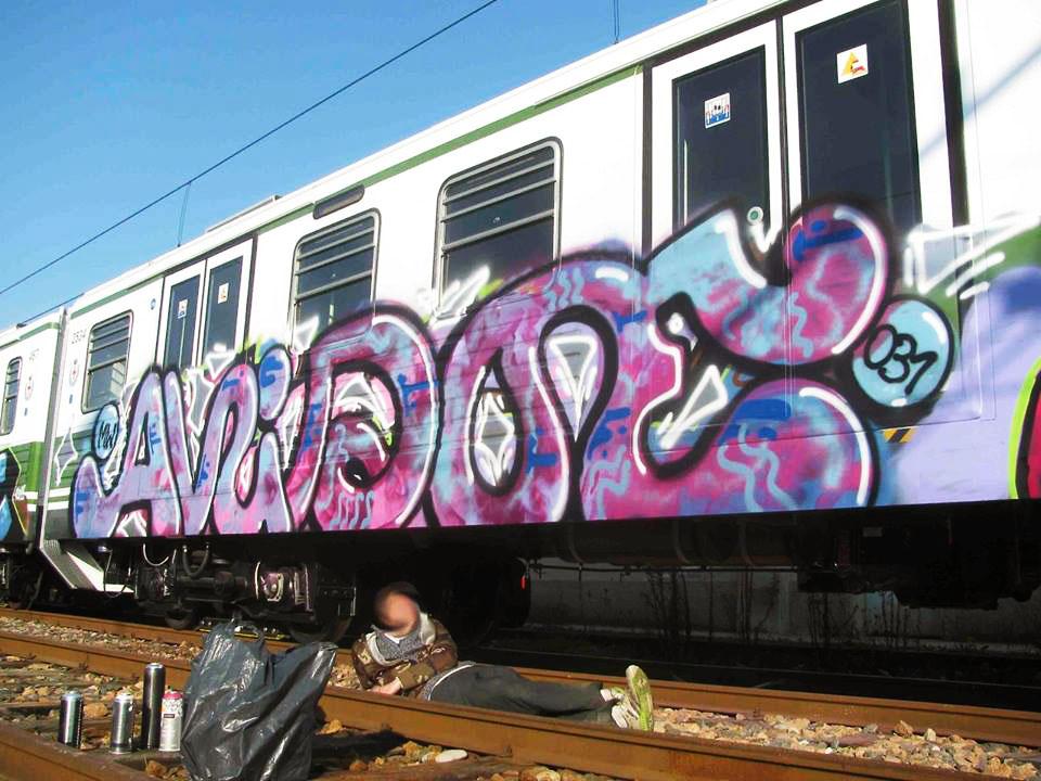 graffiti subway milan italy greenline avidoe 031 mw