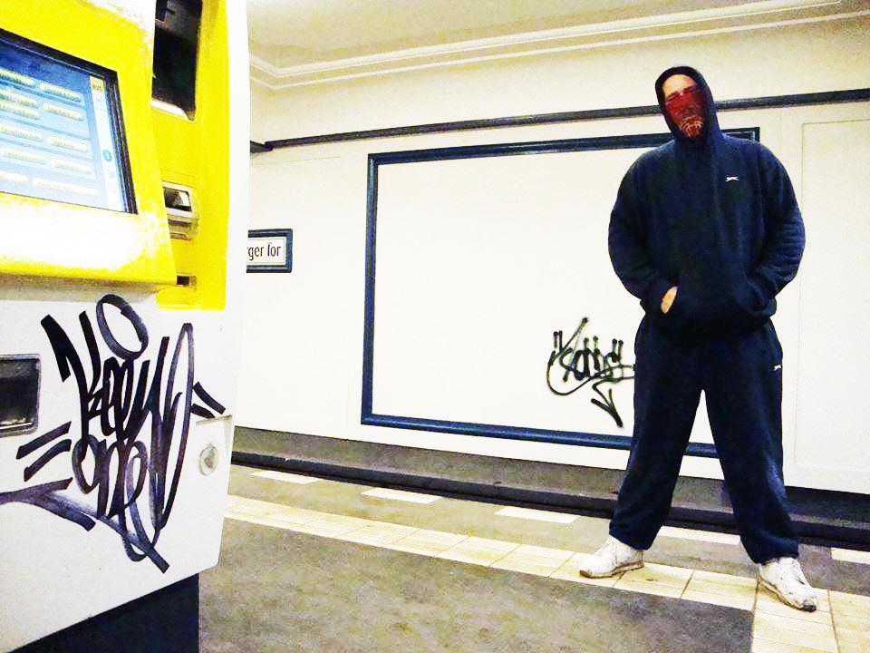 graffiti subway london tube underground kingrobbo rip