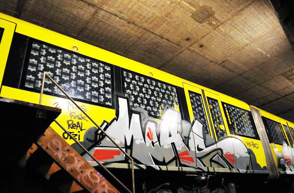 graffiti subway berlin germany moas crew bad