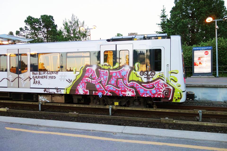 graffiti subway oslo norway all crew vim running