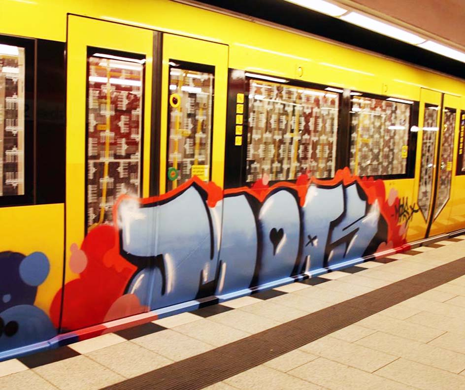 graffiti subway berlin germany moas running
