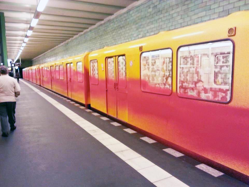 graffiti subway u-bahn berlin germany running fatshit