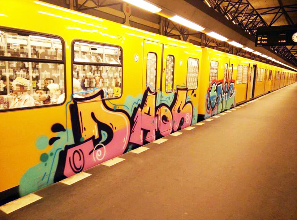 graffiti subway berlin germany daos erik running