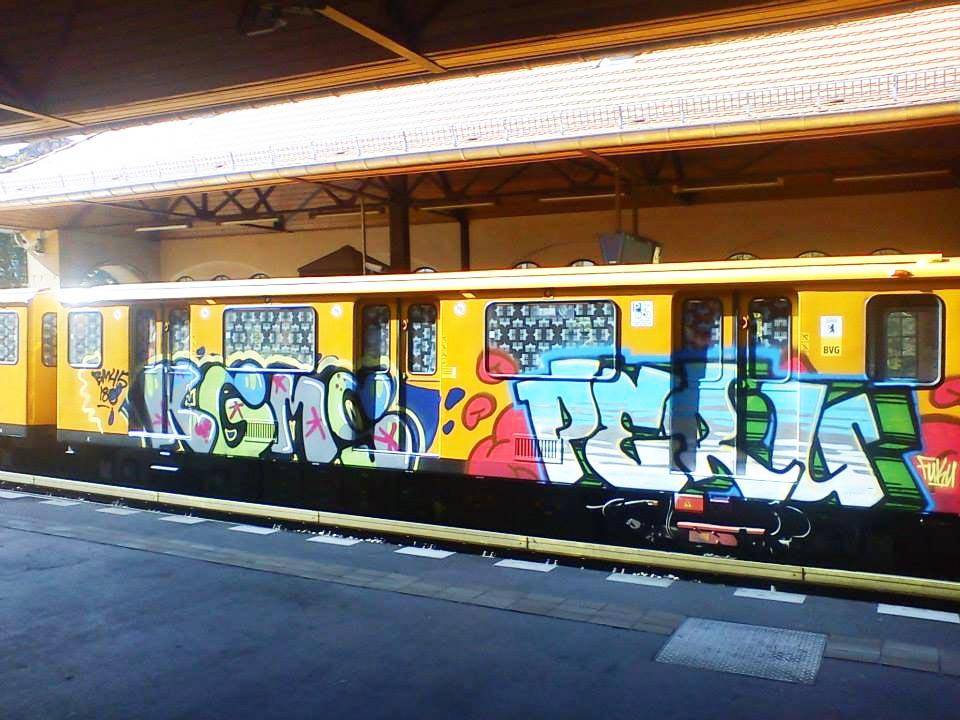 graffiti subway u-bahn berlin germany running kgms peru