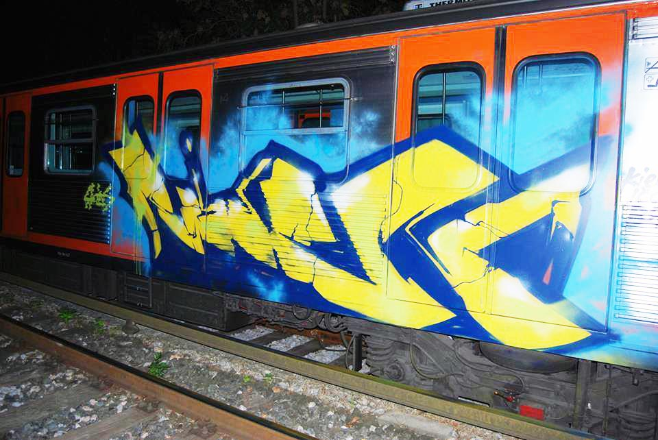 graffiti subway greece athens raiden