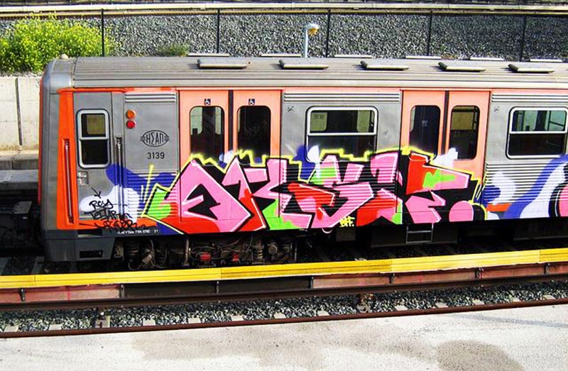 graffiti subway greece athens running eksit