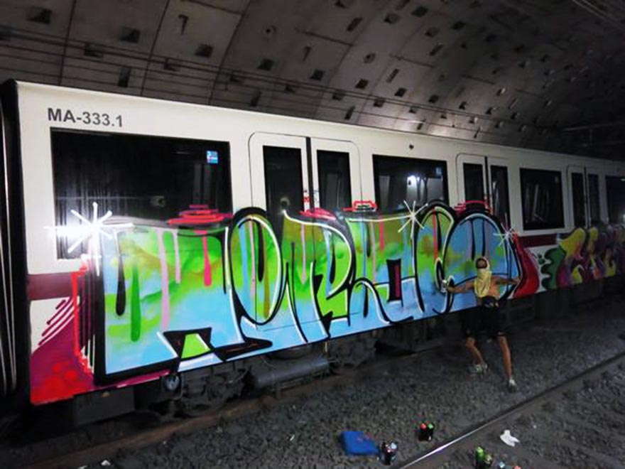 graffiti subway train rome italy tiros