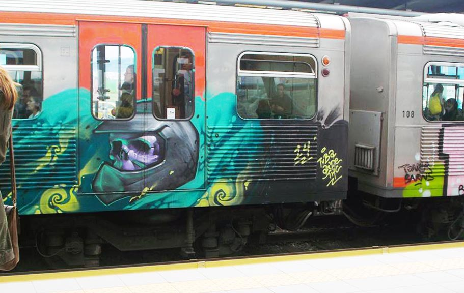 graffiti subway train athens greece running skull 2014
