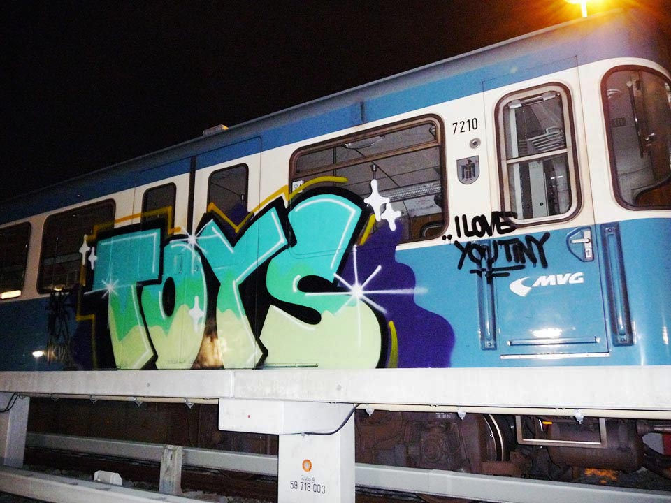 graffiti subway train toys munich germany