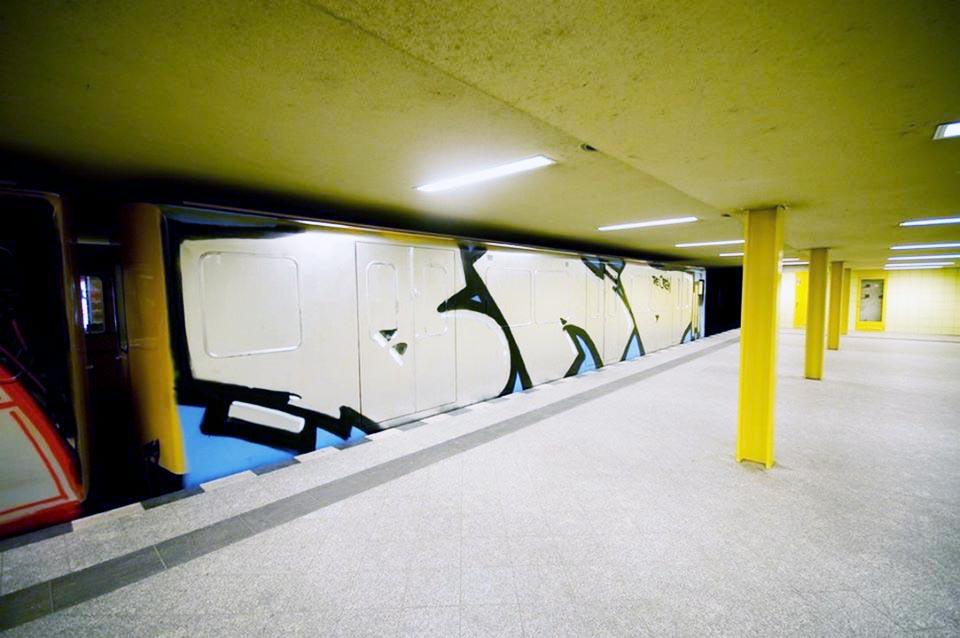 graffiti train subway germany berlin wholecar bad