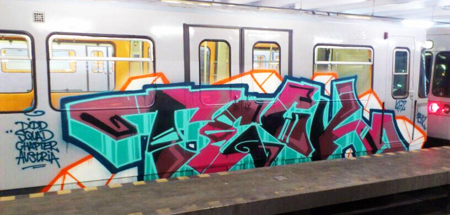 subway graffiti train vienna austria teck