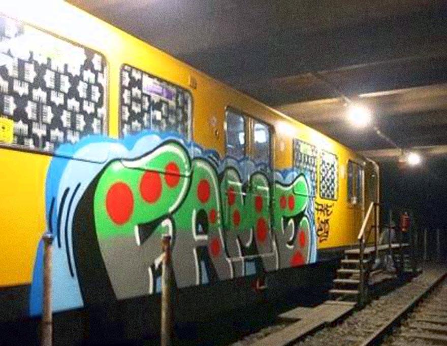 graffiti train subway berlin germany fame