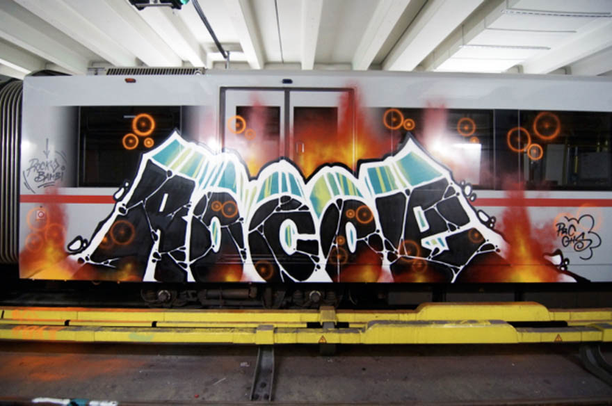 graffiti train subway vienna austria rocoe