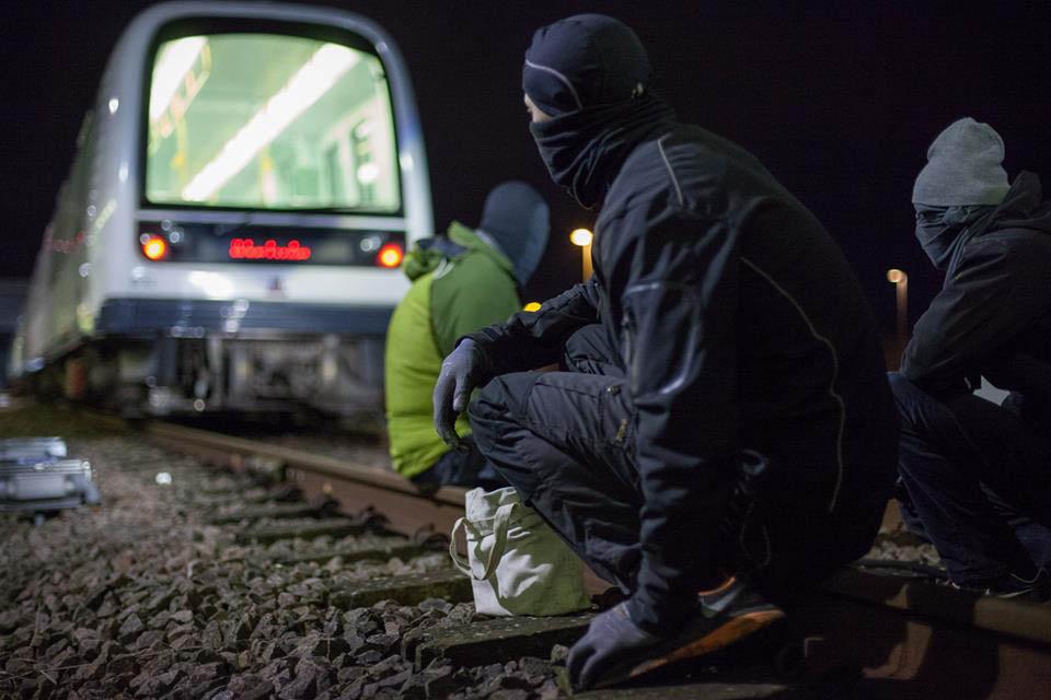 graffiti subway train copenhagen action denmark