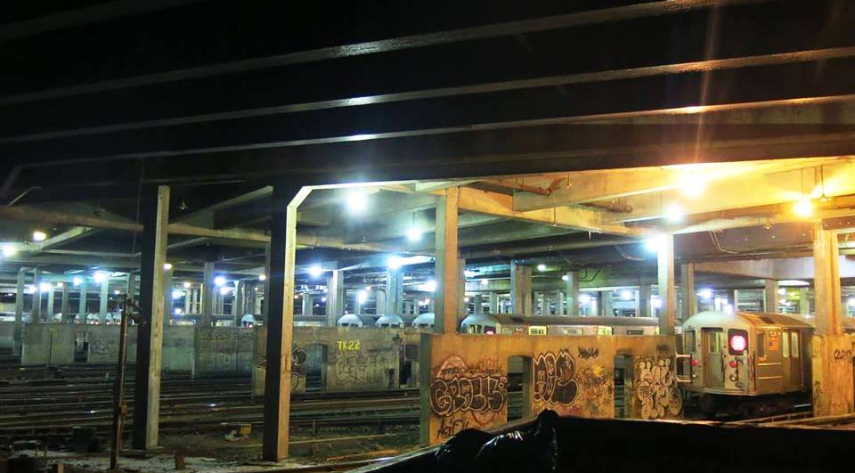 graffiti train subway newyork usa 2015