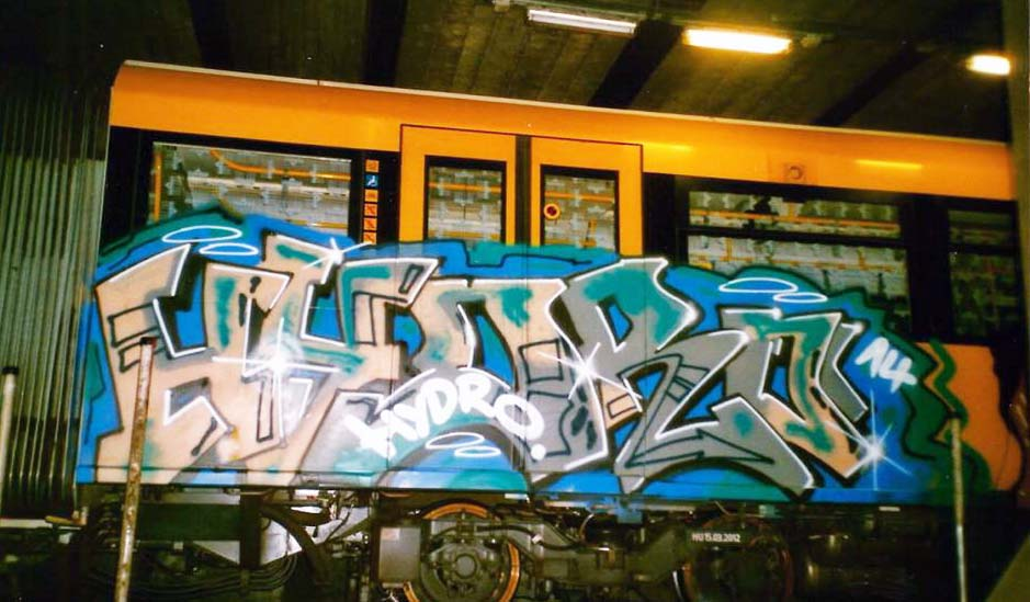 graffiti train subway berlin germany