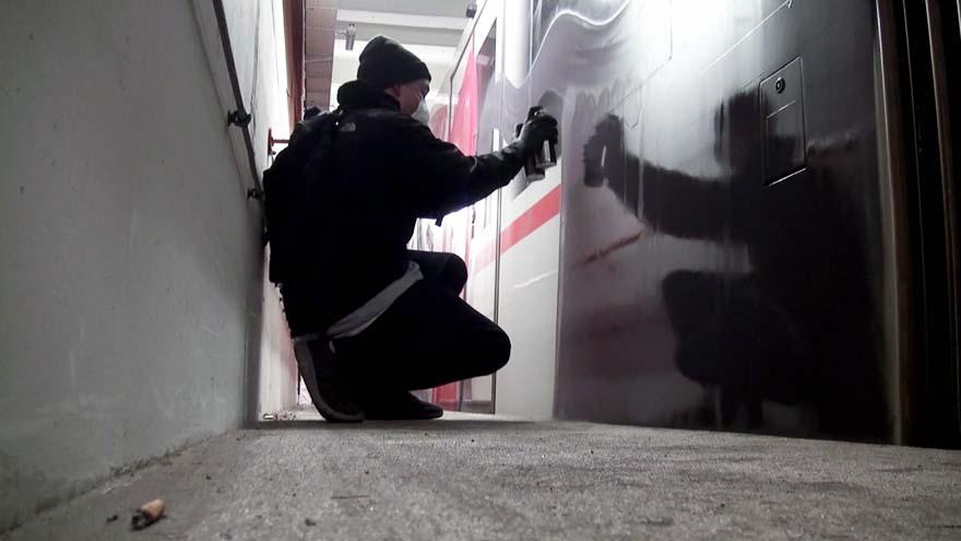 graffiti subway train vienna austria