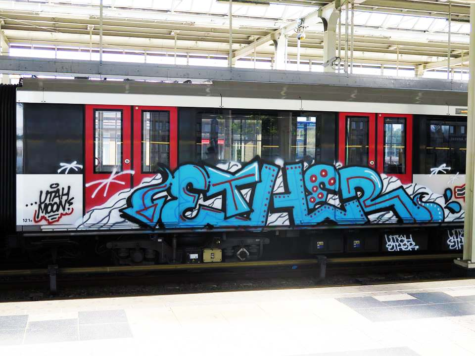 graffiti subway train amsterdam holland ether