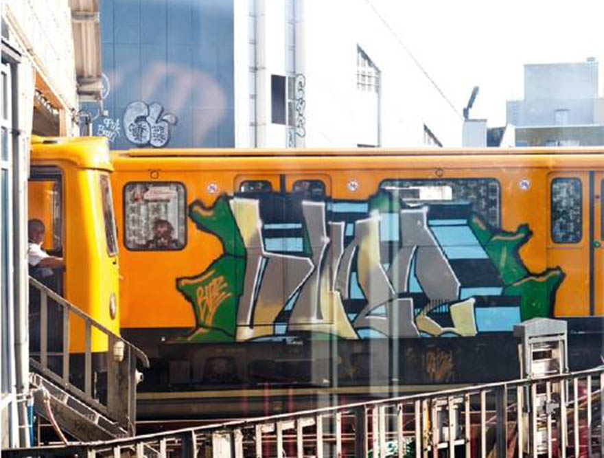 graffiti subway train berlin germany buzz