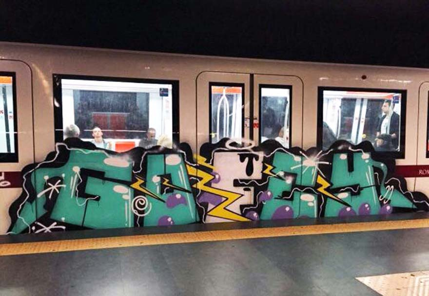 graffiti train subway rome italy gofey gbr 2015