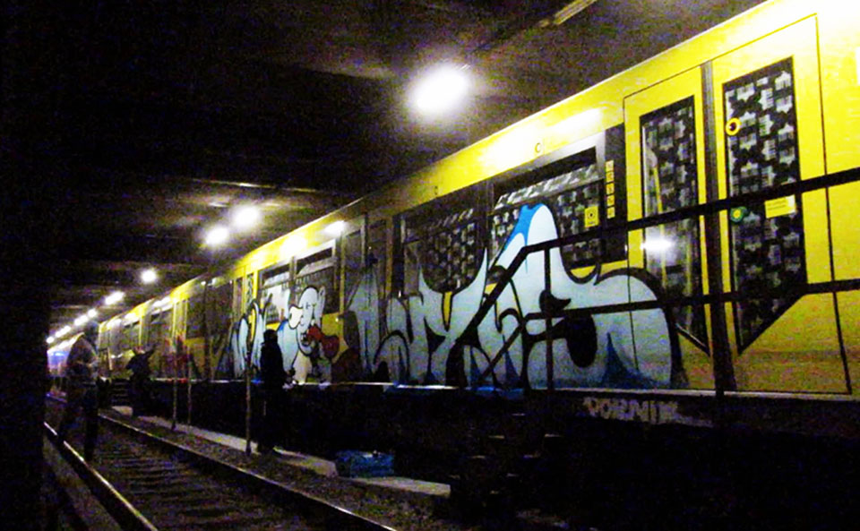 graffiti subway train berlin germay luxus