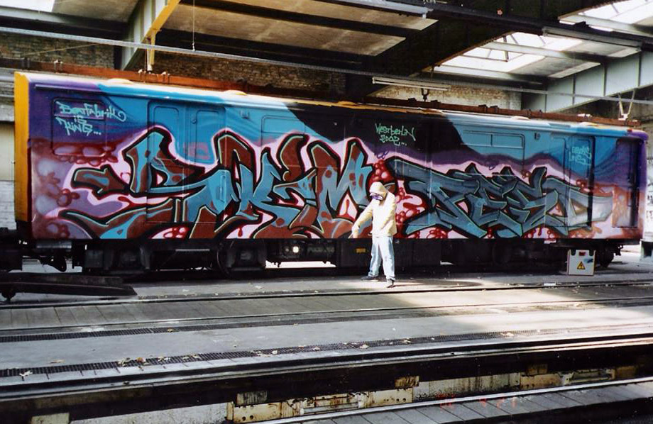 graffiti train subway berlin germany wholecar burning skim pesd topshit