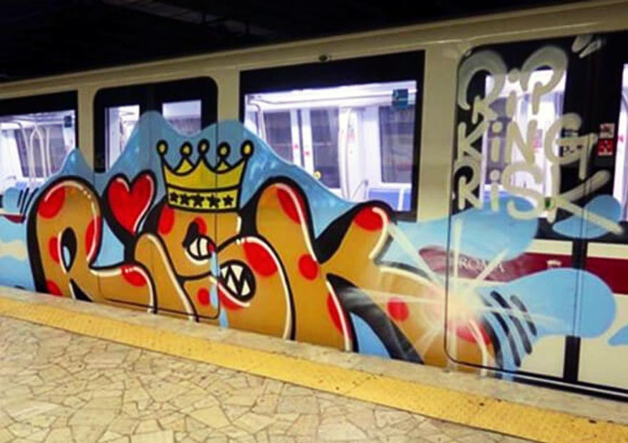 graffiti train subway rome italy riskrip