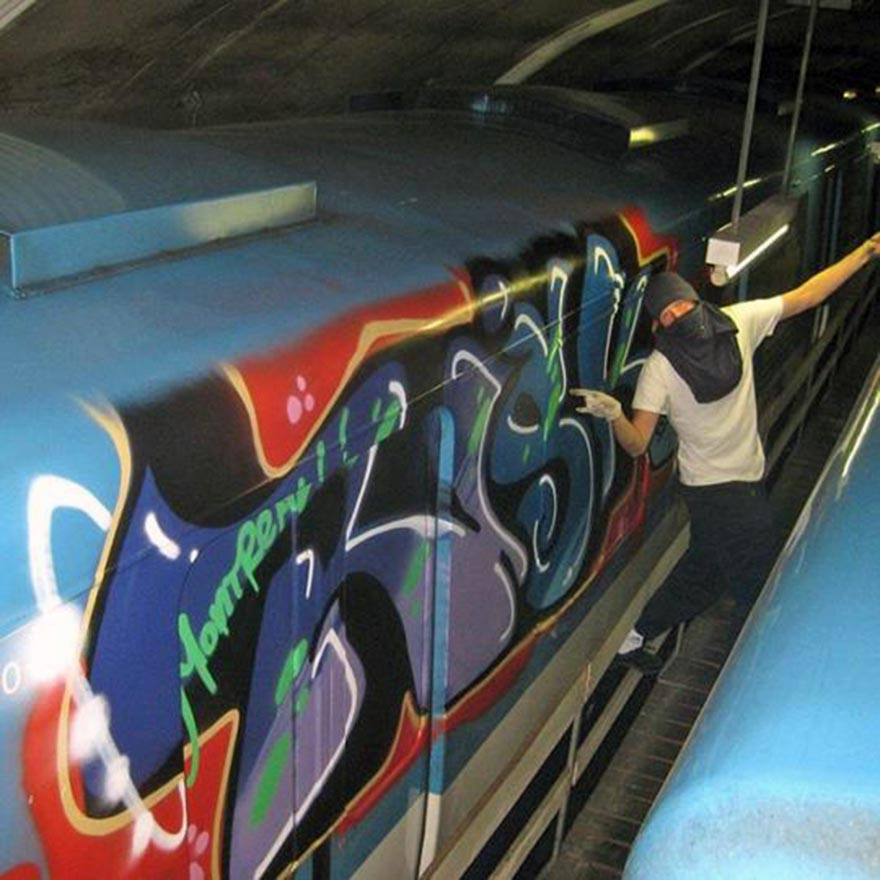 graffiti train subway montreal canada riskrip
