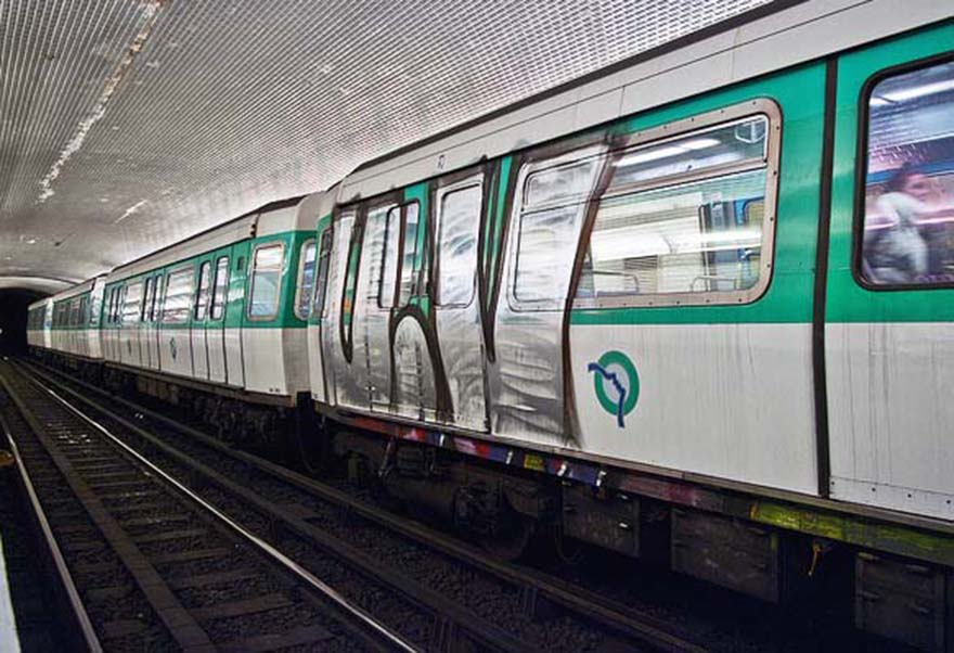 graffiti subway train paris france running uv