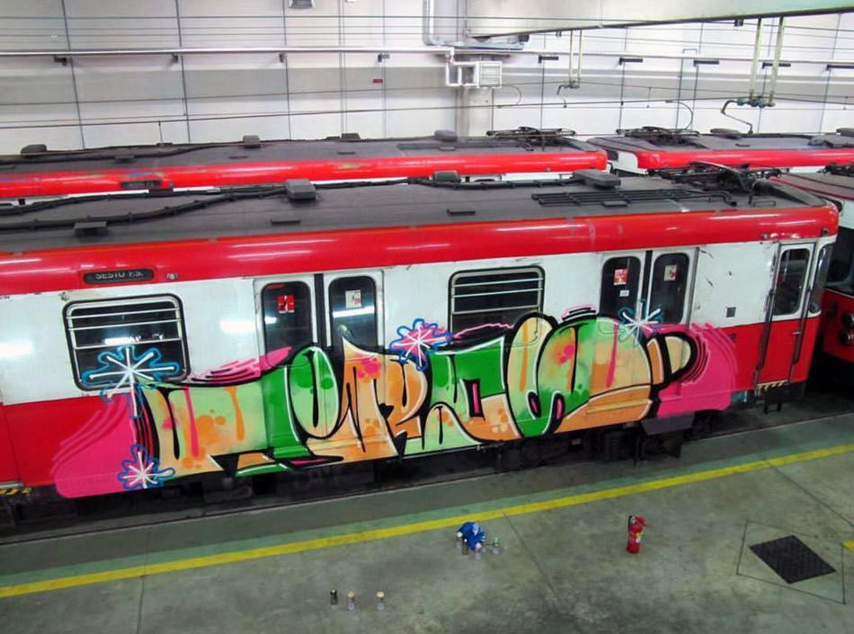 graffiti train subway milan italy tiros