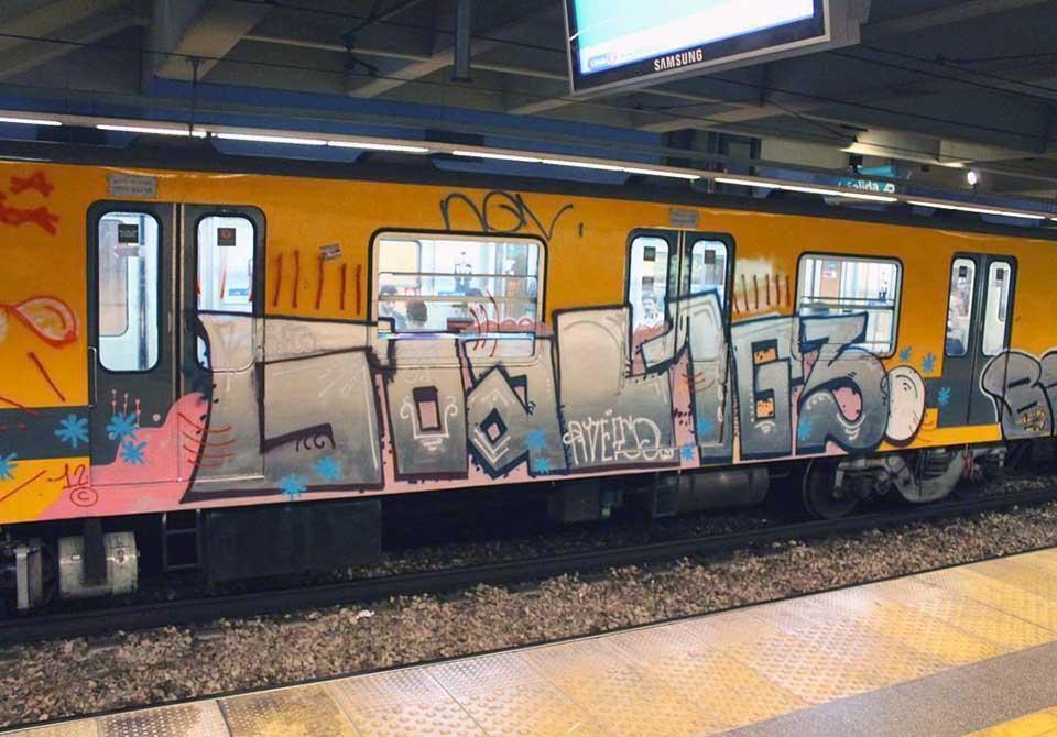 graffiti subway train buenos a ires argentina running l163 goal
