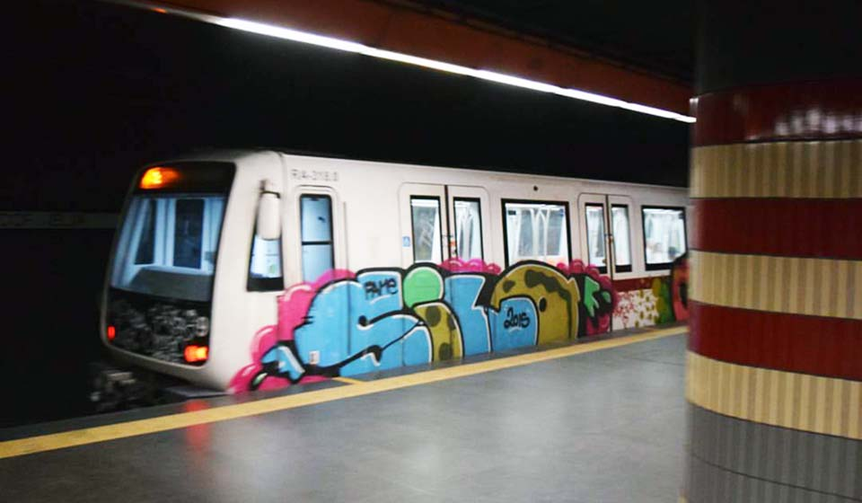 graffiti subway train rome italy silo running 2016