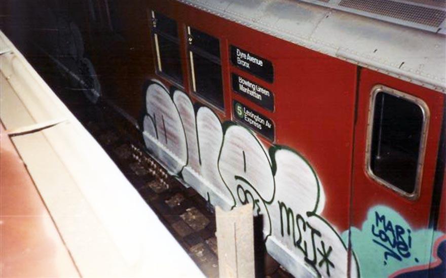 graffiti subway train nyc newyork usa duel