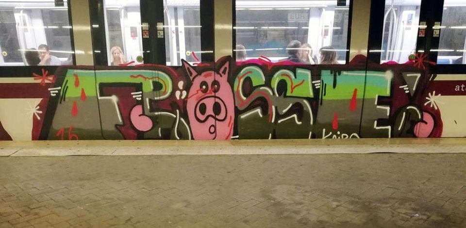 subway train graffiti rome running italy kairo