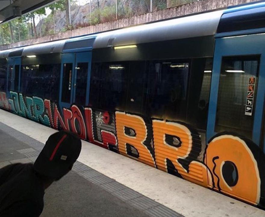 graffiti train subway stockholm sweden e2e running