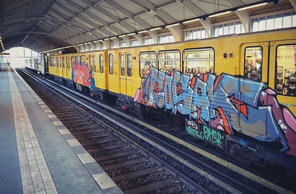 graffiti subway train berlin germany running cosak gbr