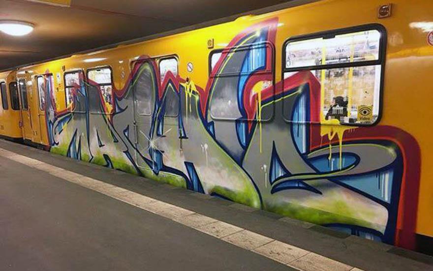 graffiti subway train berlin germany running macho