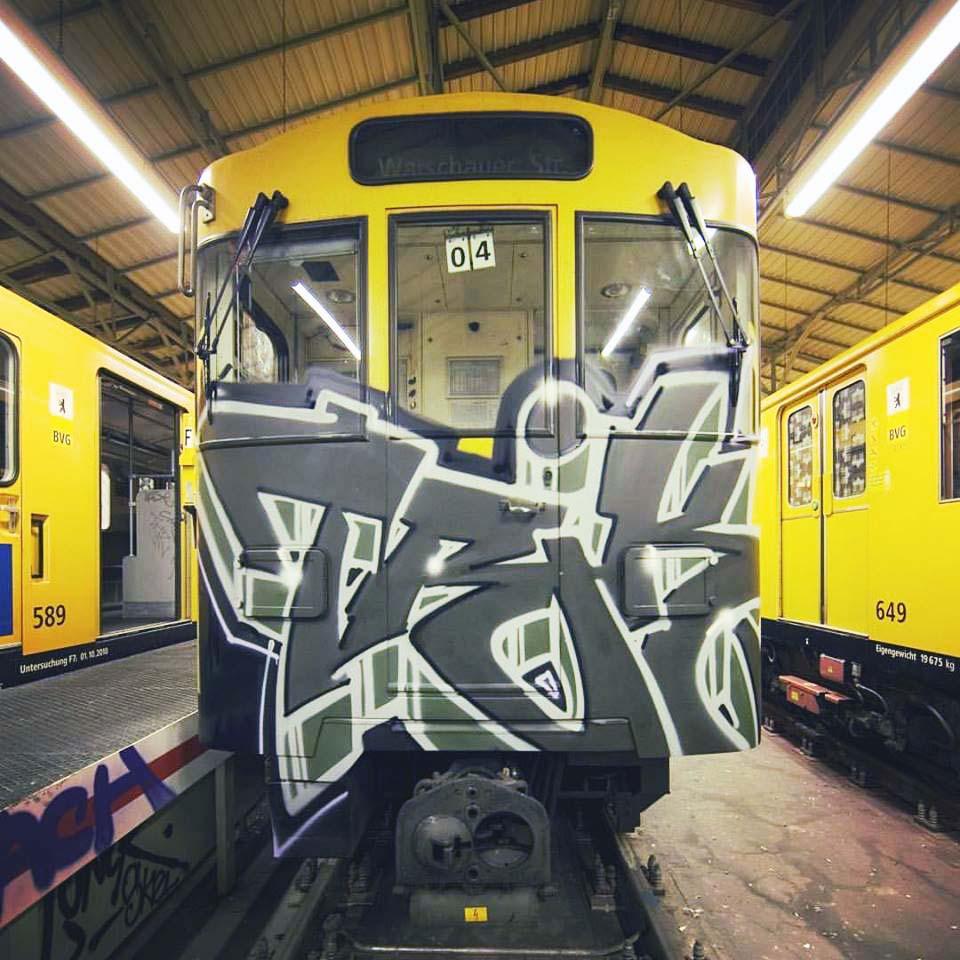 graffiti train subway writing berlin germany trik