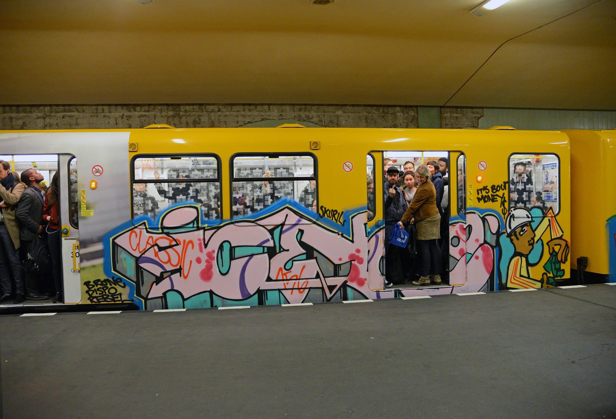 graffiti writing train subway berlin germany running