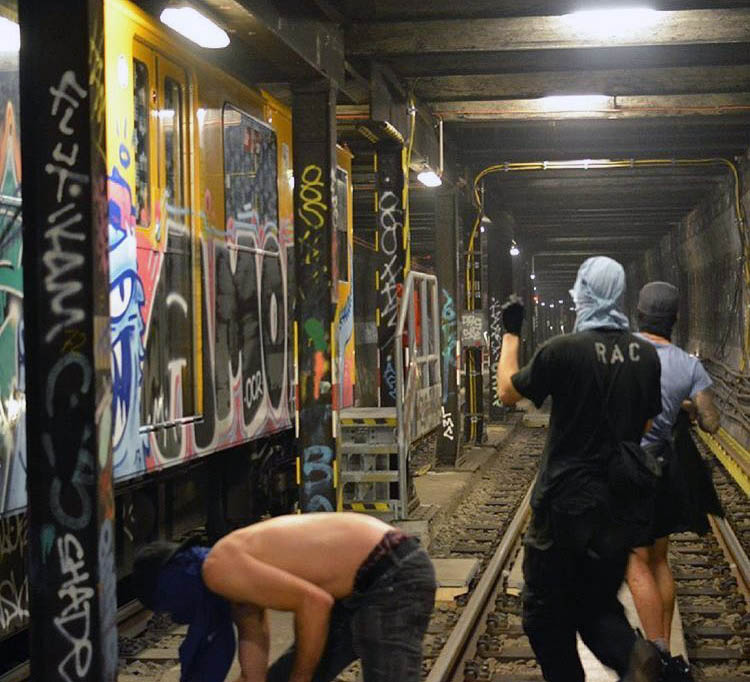 graffiti train subway writing berlin germany action tunnel
