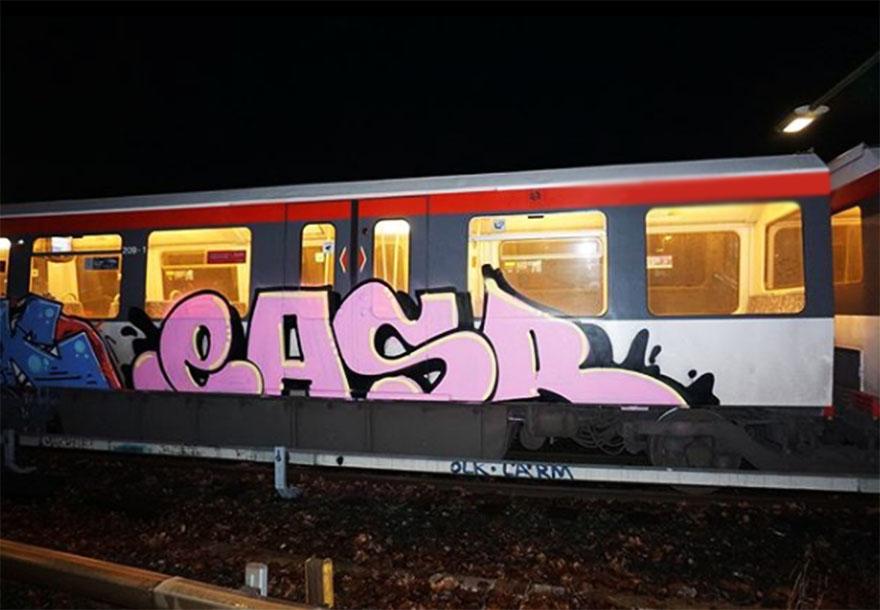 subway train graffiti writing hamburg germany easer